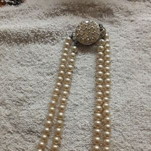 Sarah Coventry mid century pearl necklace